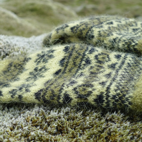 Mosi mittens: traditional Icelandic stranded mittens with Icelandic Gryla plied yarn (5)