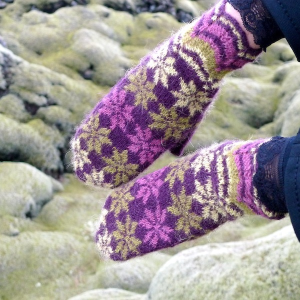 Rosir, traditional Icelandic mittens knitted with Gryla Icelandic yarn (8)