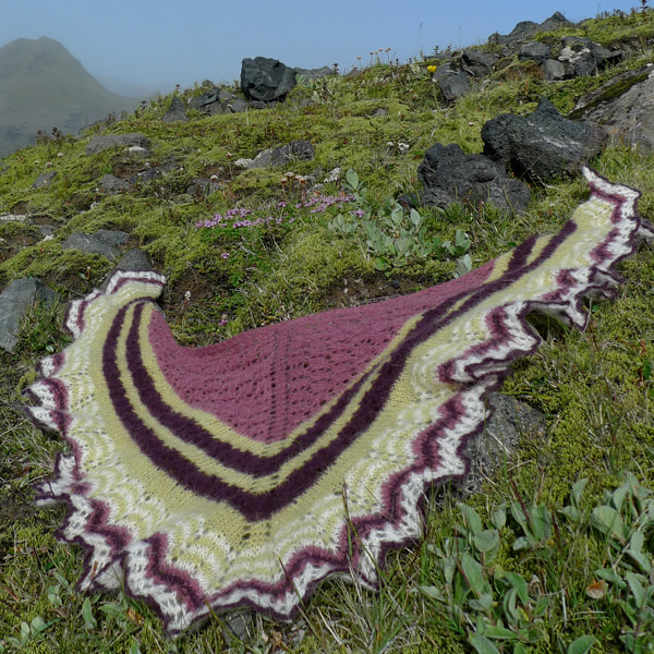 Icelandic Spring shawl Gryla purple