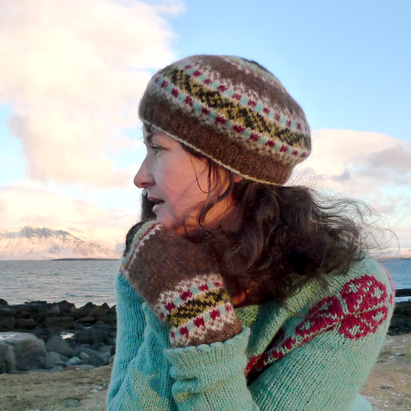Knitting Vacations Iceland : Icelandic leaves mittens and tam knitter