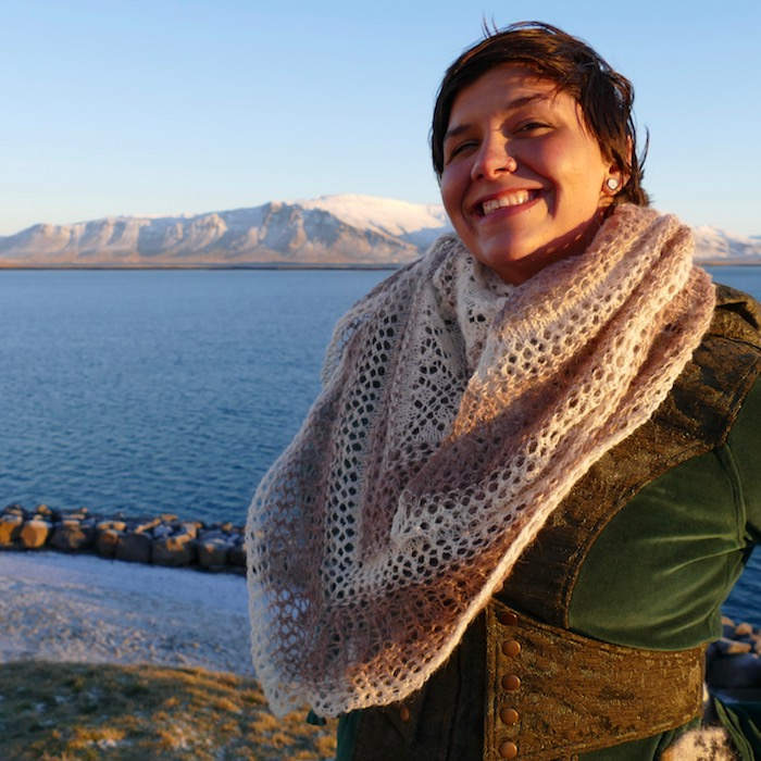 Knitting Vacations Iceland : Icelandic shawl from the cathare people kit